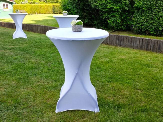 location tables chaises rennes mobilier de f tes ille et vilaine louer loueur livraison. Black Bedroom Furniture Sets. Home Design Ideas